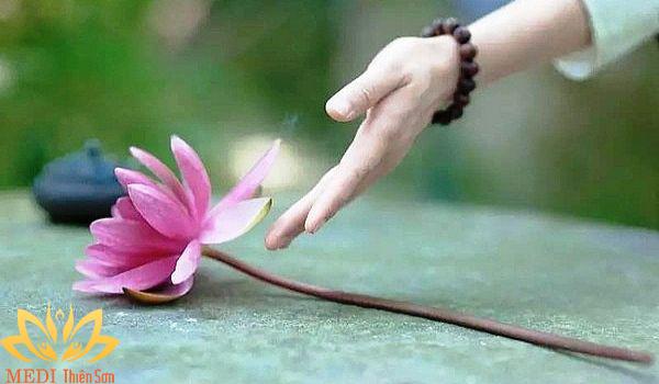 Bí quyết sống hạnh phúc, biết lấy đủ làm vui