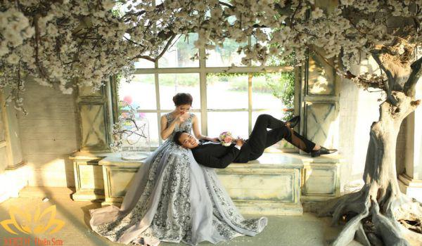Chụp ảnh cưới Hà Nội trong nhà