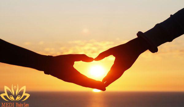 Hạnh phúc trong tình yêu là gì? Là khi nhớ ngày kỷ niệm