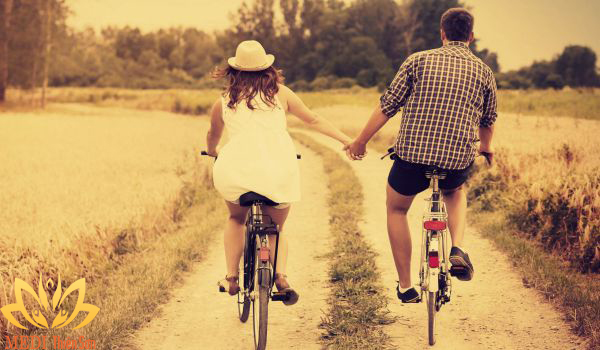 Hạnh phúc trong tình yêu là gì? Hãy quên đi quá khứ