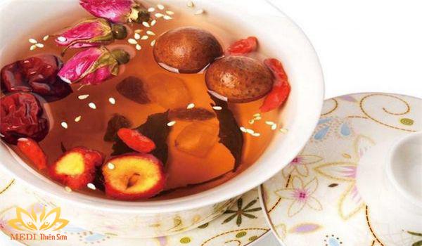Thưởng trà dưỡng nhan MEDI Thiên Sơn